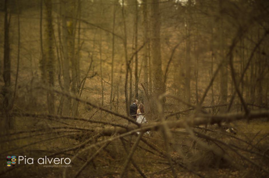fotografia de postboda con Almudena e Igor en los montes de Bizkaia, Bilbao. Por Pia alvero-145