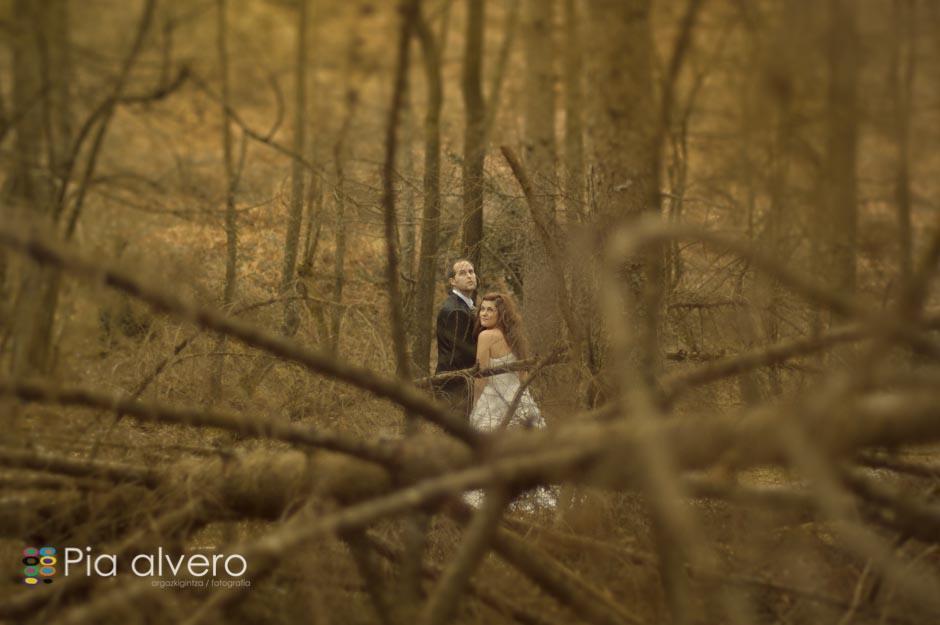 fotografia de postboda con Almudena e Igor en los montes de Bizkaia, Bilbao. Por Pia alvero-148