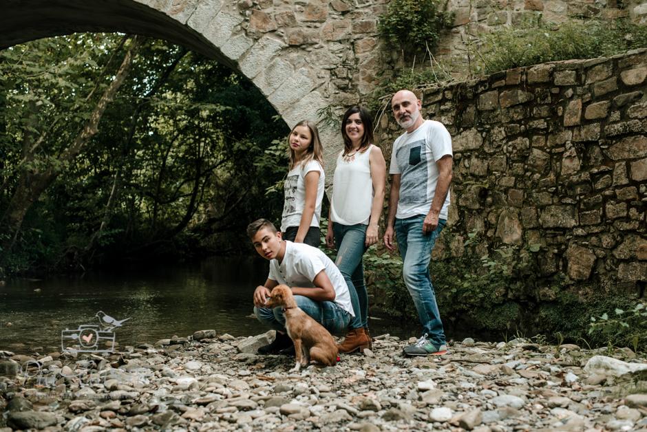 Pia Alvero fotografa en Bilbao de familias y adolescentes.-143