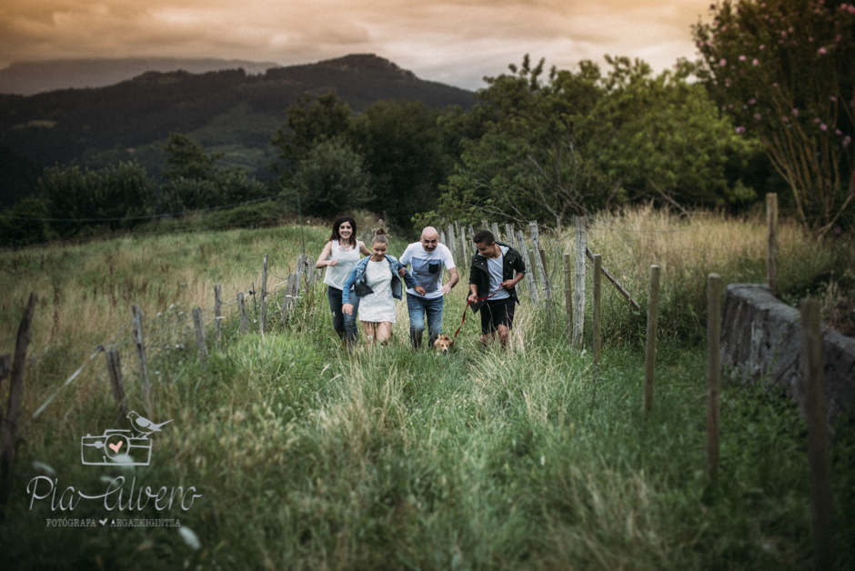 Pia Alvero fotografa en Bilbao de familias y adolescentes.-311