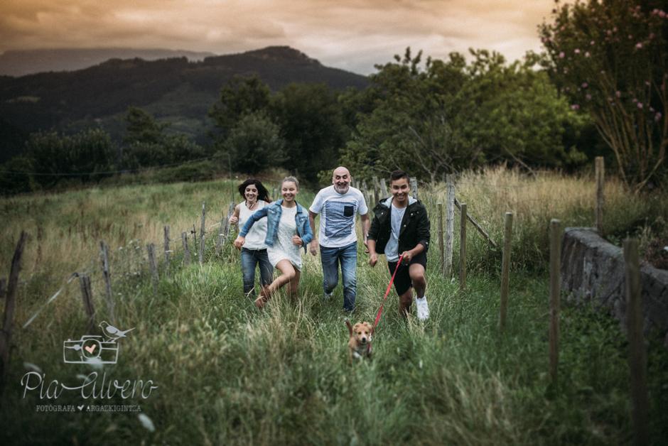 Pia Alvero fotografa en Bilbao de familias y adolescentes.-312