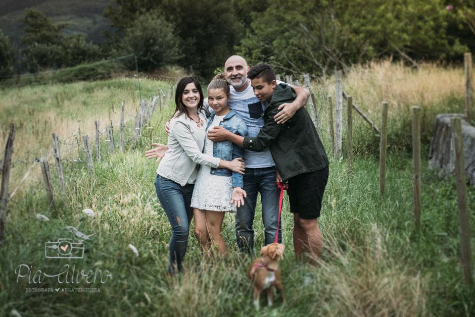 Pia Alvero fotografa en Bilbao de familias y adolescentes.-325