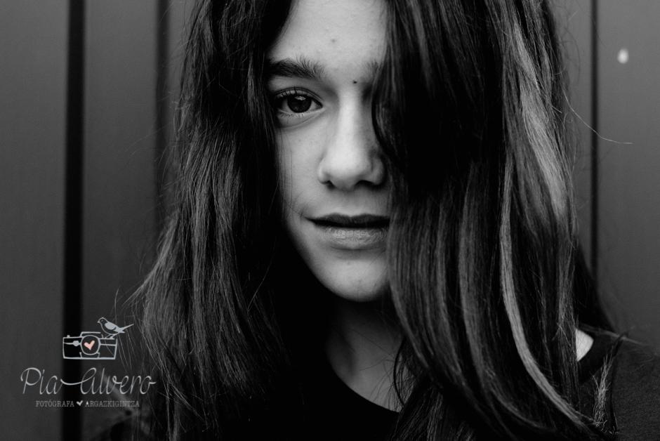 Pia Alvero fotografia adolescente en Igorre-116