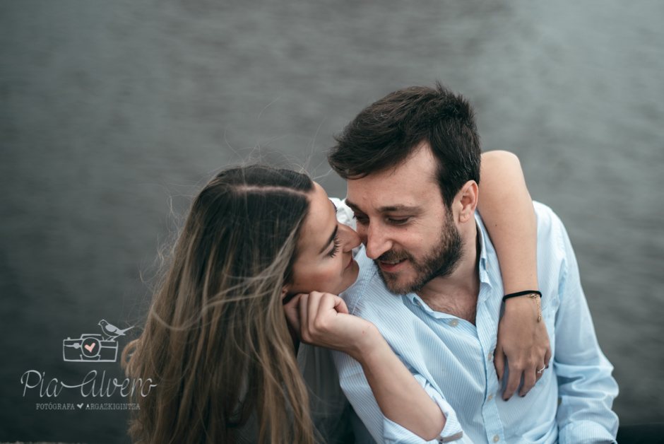 Pia Alvero fotografia preboda en Zorrozaurre Bilbao, fotografa de bodas en Bilbao-40