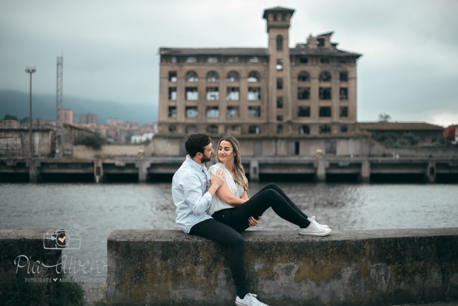 Pia Alvero fotografia preboda en Zorrozaurre Bilbao, fotografa de bodas en Bilbao-5