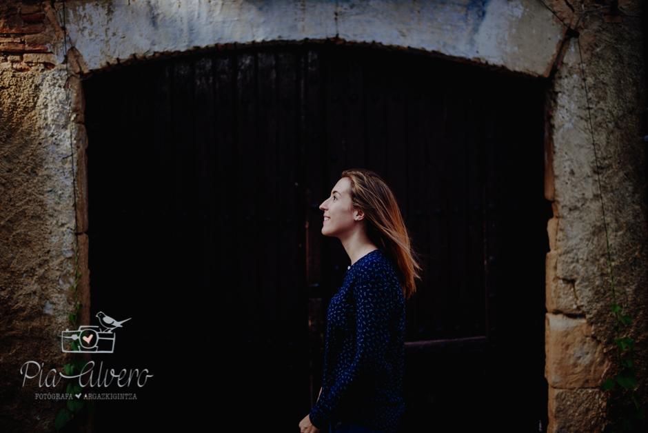 Pia Alvero fotografia preboda en Uxue, Navarra. Fotografa boda Navarra-127
