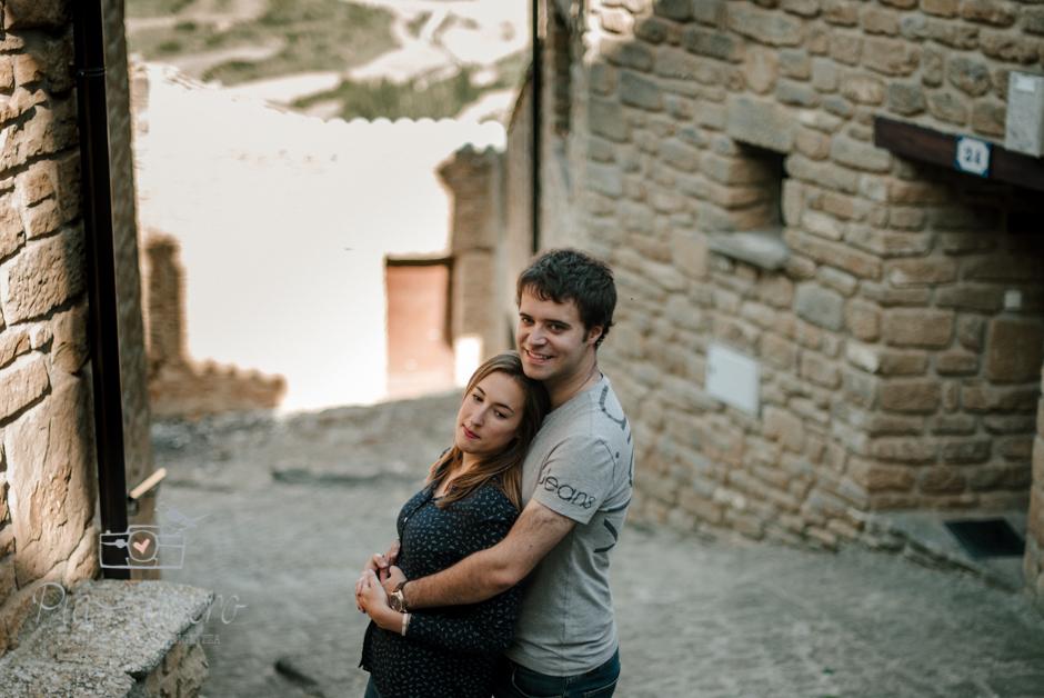 Pia Alvero fotografia preboda en Uxue, Navarra. Fotografa boda Navarra-3
