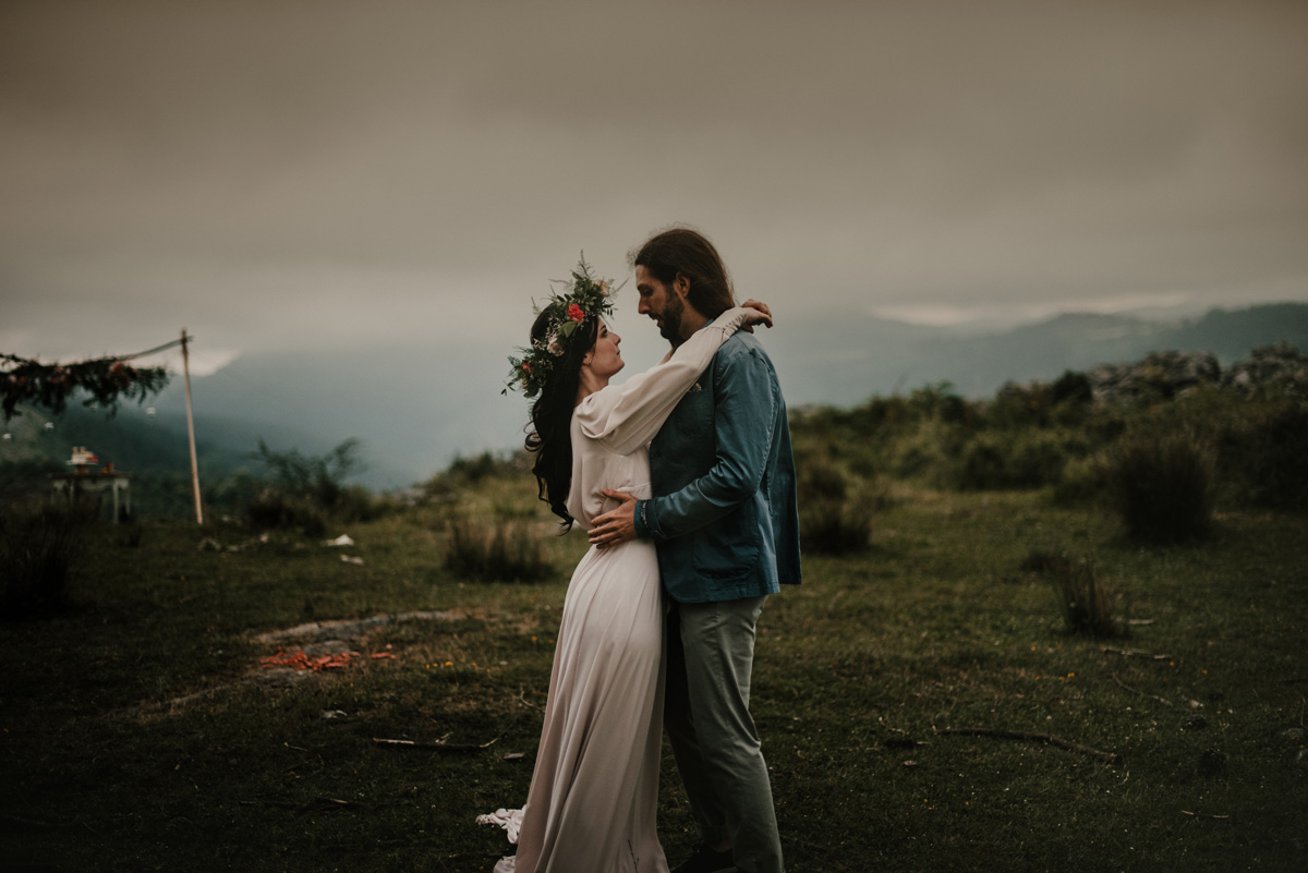 Pía Alvero - The Forest Love - Bodas elopement País Vasco